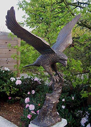 H. Packmor GmbH Bronzeskulptur Adler auf Baumstamm Raubvogel Gartendekoration aus Bronze