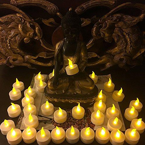 fourHeart LED Weihnachten Kerzen D36 x H36 MM (12er Set) Teelichter flammenlose Fest Licht Beleuchtung mit Flackereffekt batteriebetrieben, perfekt für Parties, Konzerte Hochzeit, Geburtstag und Festivals wie Halloween und Weihnachten entworfen - warm Gelb - 8