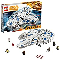 Vola alla velocità della luce sul Millennium Falcon!Viaggia con Han Solo, Chewbacca e i loro amici sul Millennium Falcon LEGO® Star Wars. Questa versione in mattoncini LEGO dell'iconica nave da carico del film di Han Solo è dotata di cabina d...