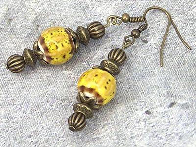 Boucle d'oreilles Kathmandu pour femme, en porcelaine teintée de jaune avec crochet