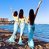 """La ciudad balnearia de señoras"""" al final de la playa ropa de baño faldas niñas falda cuerpo superior de la isla de Phuket, plata y azul"""