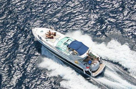 Jochen Schweizer Geschenkgutschein: Luxusyacht-Partywochenende auf Ibiza mit Übernachtung an Bord für 6