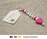 NAMENSANHÄNGER – Anhänger mit Namen | Baby Kinder Schlüsselanhänger für Wickeltasche, Kindergartentasche, Schultasche oder Rucksack mit Schlüsselring | Mädchen & Jungen Motiv Herz in pink