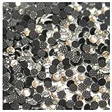 Mélange de taille environ 500 Strass en verre de formes rondes thermocollants 4 tailles s6-s10-s16-s20 mélange proportionnel. Tous ces strass sont thermocollants avec facettes scintillantes ! Ces strass se fixent à chaud avec un fer à strass ou un fe...