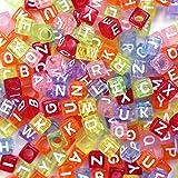 500 Stück Buchstaben Perlen zum Auffädeln bunten Perlen mit Weiße Buchstaben A-z Würfelperlen geeignet für Armbänder Auffädeln, Halsketten, Schlüsselanhänger und Kinderschmuck