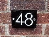 Targhetta con numero civico inciso, nero lucido, effetto alluminio, moderna