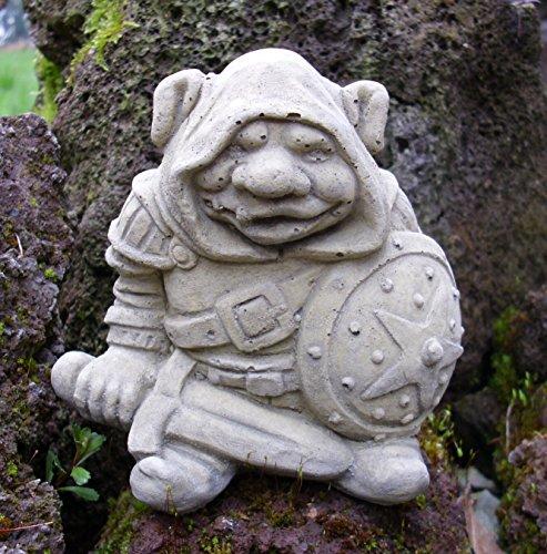 Steinfigur kleiner Ritter Gnom Troll Orky Egon mit Schwert Zwerg Gargoyle GARGOYL Garten Deko Neu Frostsicher Deko massiver Steinguss