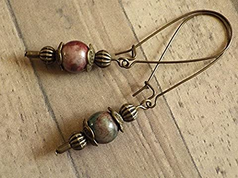 Thurcolas earrings in vintage style in jade tinged with green and brown mounted on fantasy hoops in antique