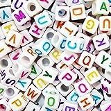 ULTNICE 800pcs acrilico lettere alfabeto lettera Charms Perline alfabeto con le lettere variopinte per fai da te Bracciali collane Handmade del regalo