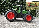 RC Traktor Fendt 1050 Vario mit Anhänger-Stalldungstreuer 1:16