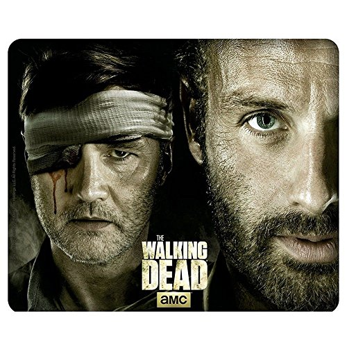 Preisvergleich Produktbild The Walking Dead - Mausmatte Mauspad - Rick Grimes Vs. The Governor - 23 x 19 cm