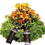 Trauerkranz mit orangen Lilien