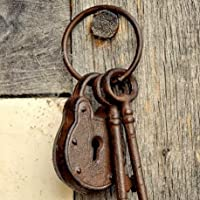 Garden Foundry Keys And Lock Ring Ornament 20cm