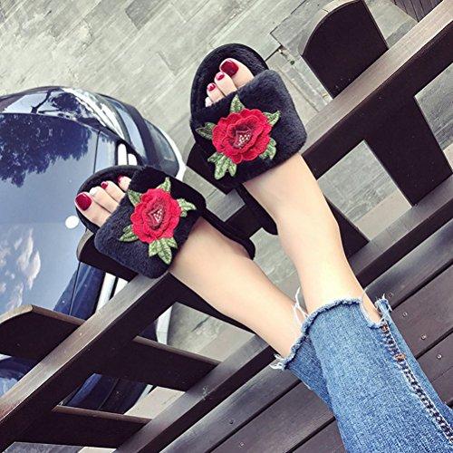 Auspicious beginning Panno di peluche ricamato fiore scivolato sulle scarpe indoor / outdoor delle pantofole per le signore delle donne Nero