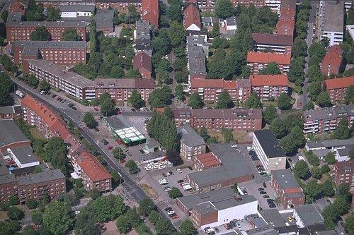 MF Matthias Friedel - Luftbildfotografie Luftbild von Dehnhaide in Hamburg (Hamburg), aufgenommen am 30.07.99 um 12:16 Uhr, Bildnummer: 0772-15, Auflösung: 3000x2000px = 6MP - Fotoabzug 50x75cm (Bp Tankstelle)