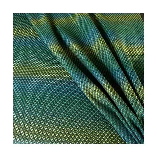 Didymos Woven Baby Wrap, Facett Tethys, Size 8, 570 cm, Black/Green Didymos Various carrying positions, in front, sideways an on the back Special, diagonally stretchable cloth to give optimal support Holds your baby in the anatomically correct posture 3