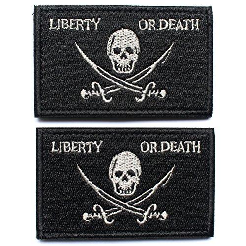 Bundle 2-teilig-Pirat Jolly Roger von Calico Jack Tactical Moral Patch mit Unterstützung Freiheit oder Tod Totenkopf schwarz dekorativ bestickten Applikationen 5,1cm Höhe, 8,1cm Breite -