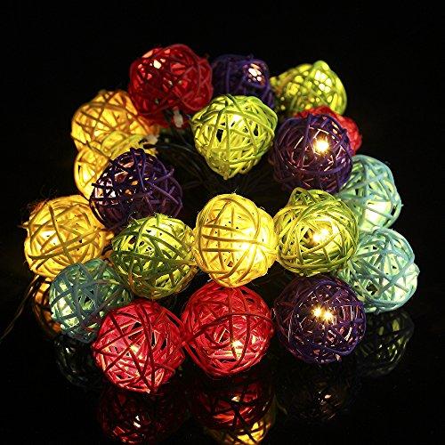 GreenClick LED Solar Lichterkette mit 20 Rattan Ball, Warmweiß Solar- Batteriebetrieben, Dekoration für Weihnachten, Garten, Hochzeit, Party Wohnziemmer (mehrfarbig)
