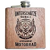 Holz Flachmann Unterschätze niemals einen alten Mann mit Motorrad | Geburtstags Geschenk Motorradfahrer