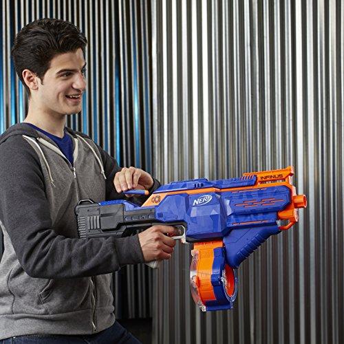 Hasbro E0438EU4 - N-Strike Elite Infinus Spielzeugblaster, mit automatischem Dart-Loader - 8