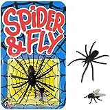 Cette araignée est factice mais tellement réaliste ! De quoi faire une grosse peur à maman. Mais heureusement vous serez là pour la sauver de ce monstre horrible. Fausse araignée de 6 cm environ Livrée avec une fausse mouche d'environ 1,5 cm Fausse a...