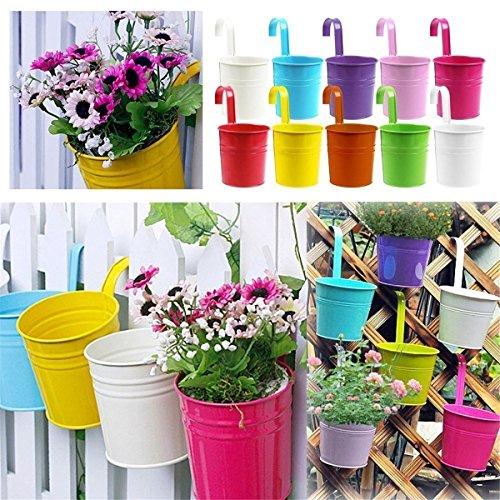 MARGUERAS 10pcs Pots de Fleurs Suspendu Colorés en Métal Pot de fleur avec Accroche Amovible Décoration Jardin Maison Balcon Cadeau Noël Anniversaire Fête (Dim 10*10*8 cm)