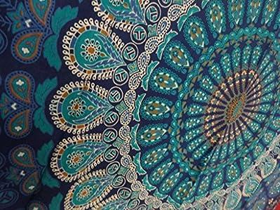 Questo è un tessuto 100% cotone stampato arazzo indiano. E 'completamente realizzato a mano. Per illuminare qualsiasi spazio con questo splendido. Aggiungi un tocco etnico al tuo salotto con questo cotone fatto a mano da appendere alla parete...