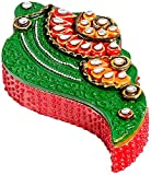 Aapno Rajasthan Wooden Shankh Design Kumkum Chopra (Green and Red)
