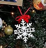 Decorazione Natalizia in Legno Naturale Laccato Bianco per Il Tuo Albero di Natale. Perfetta Come Idea Regalo Anche per Bambini, Personalizzata con Qualunque Nome. Bella Anche Come Idea SEGNAPOSTO!