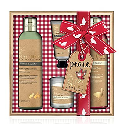 Baylis & Harding Mulberry and Mistletoe Candle Bathing Set, Fuzzy Duck Festive