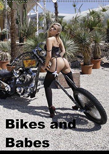 Preisvergleich Produktbild Bikes and Babes (Wandkalender 2018 DIN A2 hoch): Motorräder und Mädchen (Monatskalender, 14 Seiten ) (CALVENDO Menschen)