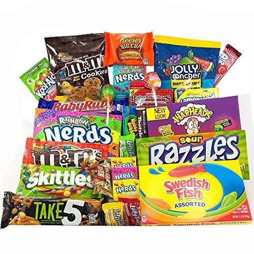 Gran cesta con American Candy | Caja de caramelos y Chucherias Americanas | Surtido de 28 artículos incluido M&M, Reeses, Skittles, Nerds, Hersheys| Golosinas para Navidad Reyes o para regalo