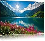 Blumenwiese am Bergsee Format: 60x40 cm auf Leinwand, XXL riesige Bilder fertig gerahmt mit Keilrahmen, Kunstdruck auf Wandbild mit Rahmen, günstiger als Gemälde oder Ölbild, kein Poster oder Plakat