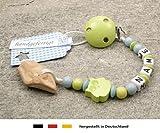 Veilchenwurzel an Schnullerkette mit Namen | natürliche Zahnungshilfe Beißring für Babys | Schnullerhalter mit Wunschnamen - Jungen Motiv Eule in lemon grün