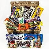 Großer Amerikanische Schokolade Geschenkkorb | Auswahl beinhaltet Reeses, Hersheys, Butterfinger, M&M | 22 Produkte in einer Naturweidenkorb | American Chocolate