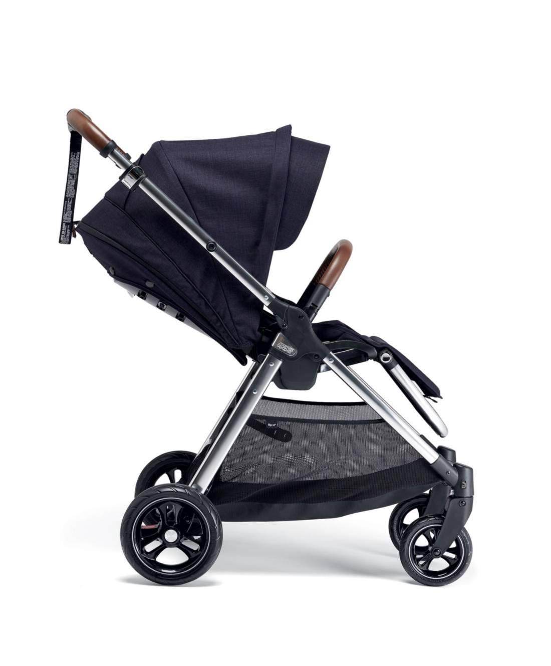 Mamas & Papas Flip XT3 Pushchair - Dark Navy Mamas & Papas PUSHCHAIR - Our lightweight Flip XT3 pushchair is perfect for handling busy streets FOLDABLE - This pushchair can be stored away quick and compact with the easy one handed fold FEATURES - The lie-flat position supports natural, healthy sleep while the UPF 50+ large hood & air vent provides cooling protection from the sun 2