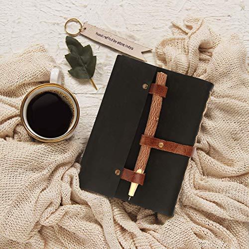 Leder Tagebuch schriftlich Notizbuch, Journal Diary antike Vintage Reisenden Notizbuch Skizzenbuch Tagebuch Planer mit Holzstift (Doodle-Sammlung) Beste Geschenk für ihn & sie von Storeindya