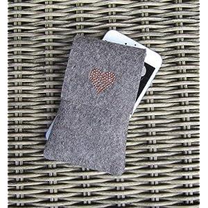 zigbaxx Handyhülle Filz Handytasche HERZ für Samsung Galaxy S8 S9 S7 edge Plus, Smartphone-Hülle handmade Wollfilz mit Herz Heart aus Studs, beige/grau-braun – Geschenk Valentinstag