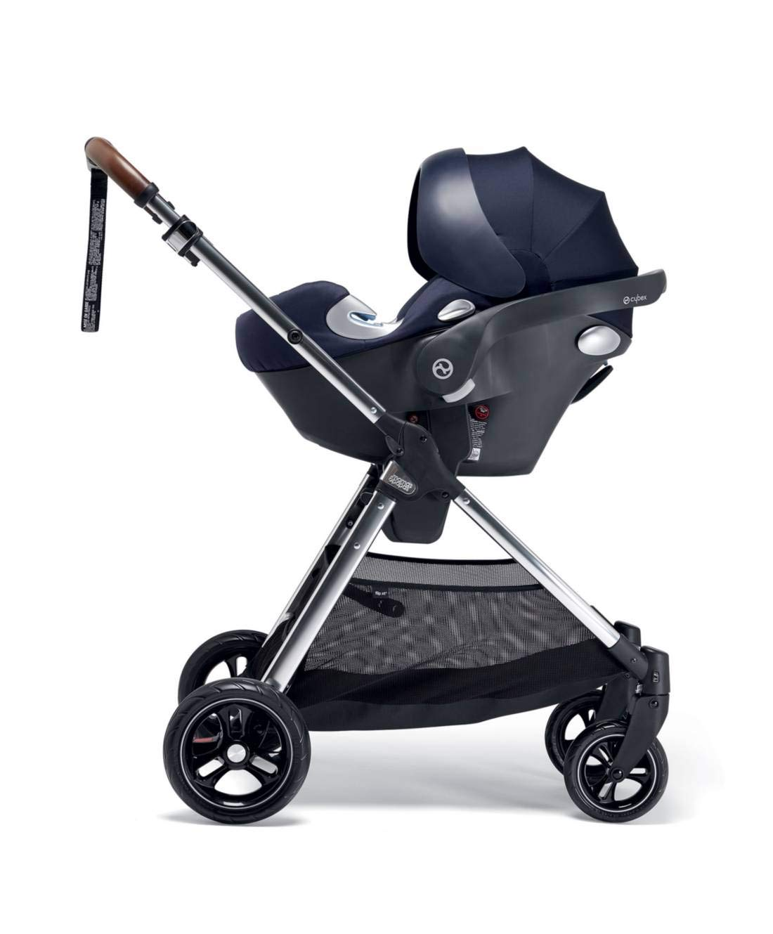 Mamas & Papas Flip XT3 Pushchair - Dark Navy Mamas & Papas PUSHCHAIR - Our lightweight Flip XT3 pushchair is perfect for handling busy streets FOLDABLE - This pushchair can be stored away quick and compact with the easy one handed fold FEATURES - The lie-flat position supports natural, healthy sleep while the UPF 50+ large hood & air vent provides cooling protection from the sun 6