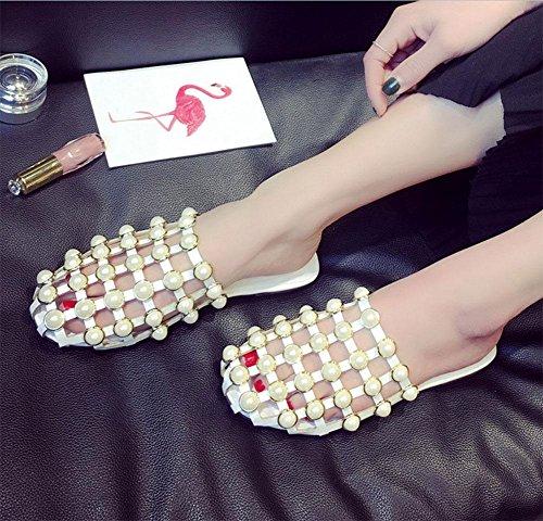 Baotou mit flachen Sandalen Sommer der Frauen Explosion Modelle aushöhlen Pantoffeln weiblichen Pantoffeln Sandalen halbrunde Perlen White
