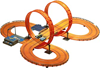 Hot Wheels Kid's 1:43 scale Racer Track Set with 2 Slot Cars with Adaptor and Lap count, 683 cm (Multicolour, 83131)