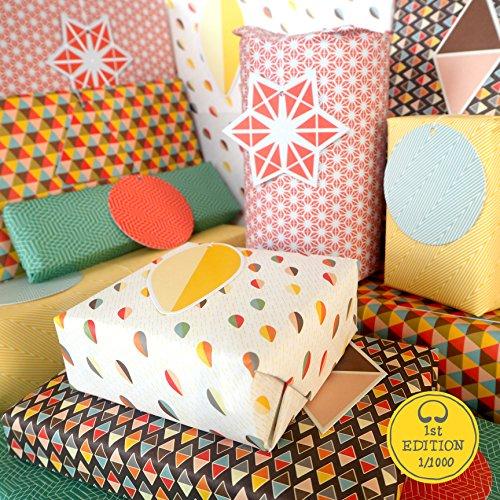Bright Stem Geometrisches, gemischtes Geschenkpapier (gefaltet) und Anhänger grün