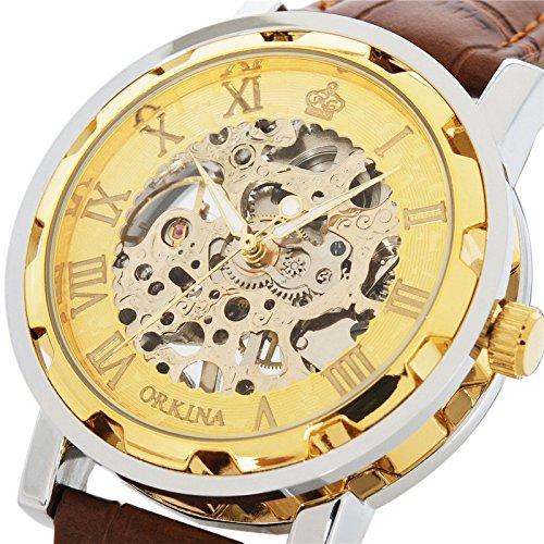Reloj de pulsera con correa de cuero y engranajes a la vista