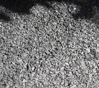 25-kg-basalt-splitt-schwarz-grau-streusplitt-ziersplitt-dekosplitt-pflastersplitt-2-5-mm