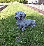 Steinfigur Hund Dackel Tierfigur Gartenfigur Frostsicher Deko massiver Steinguss