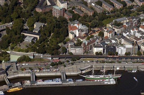 MF Matthias Friedel - Luftbildfotografie Luftbild von Johannisbollwerk in Neustadt (Hamburg), aufgenommen am 09.08.04 um 15:51 Uhr, Bildnummer: 3089-02, Auflösung: 3000x2000px = 6MP - Fotoabzug 50x75cm