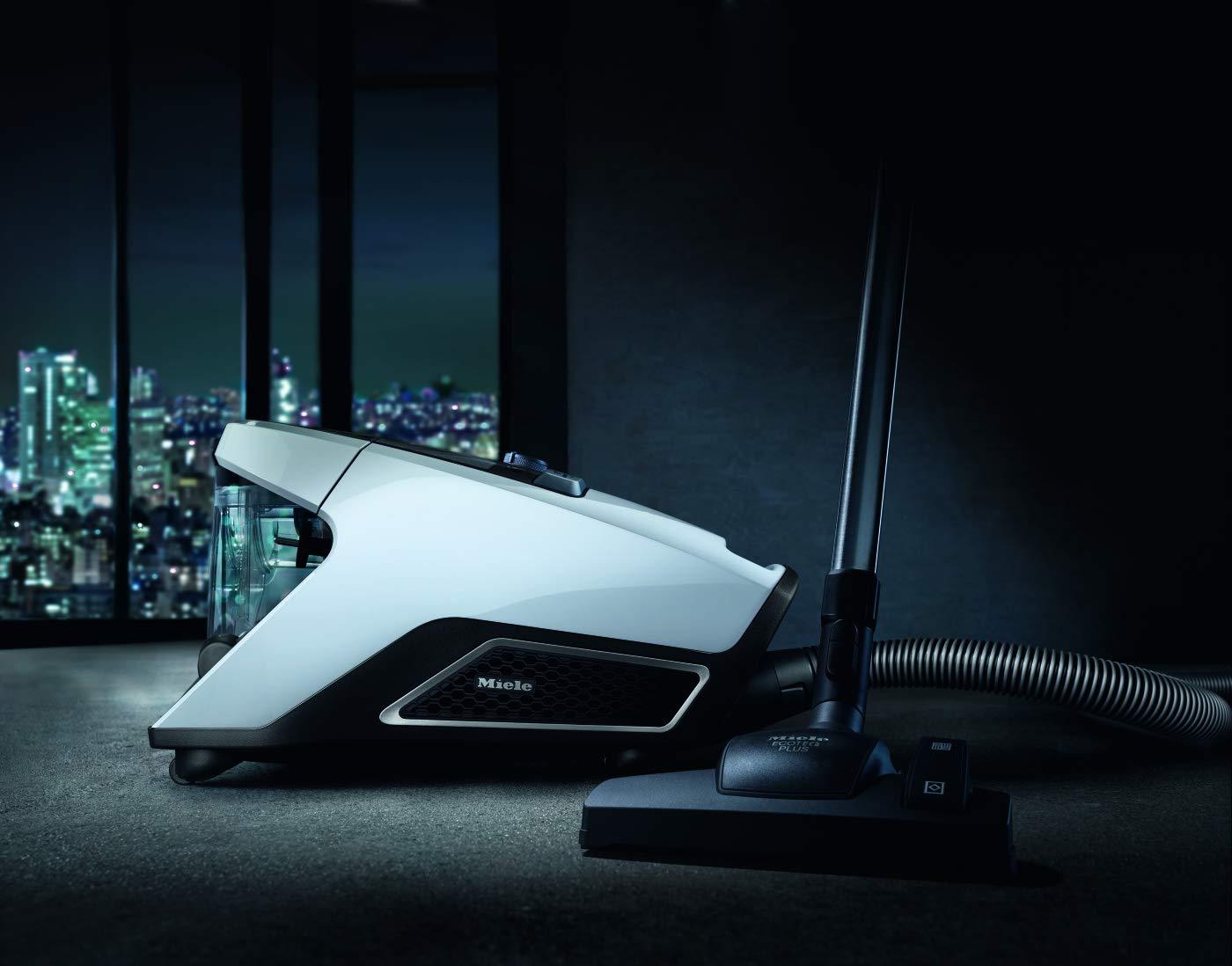 Miele Blizzard CX1 Efficiency beutelloser Bodenstaubsauger / 700 Watt / 2 l Volumen / 3-teiliges Zubehör / Silence…