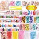 Paquete de 88 unidades de accesorios delgados, abalorios y cristal transparente delgado que incluyen tarros con purpurina, papel de azúcar, cuentas de peces, frutas, flores, caramelos, herramientas delgadas para hacer manualidades.