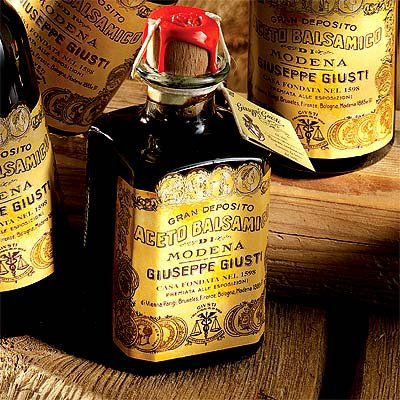 historical-collection-balsamic-vinegar-of-modena-4-gold-medals-fourth-centenary-cubic-with-carton-25