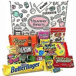 Mini coffret de confiseries contient une sélection classique de bonbons, chocolats et barres chocolatées américains. Pour les petits et les grands, ce coffret cadeau s'adapte parfaitement pour les anniversaires, Pâques, Noël et la Saint-Valentin.   ...